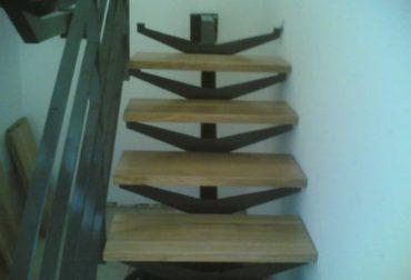 im_15_0_scara-cu-trepte-din-lemn-masiv