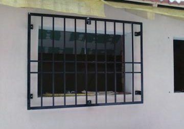 im_12_0_gratii-metalice-de-protectie-ferestre